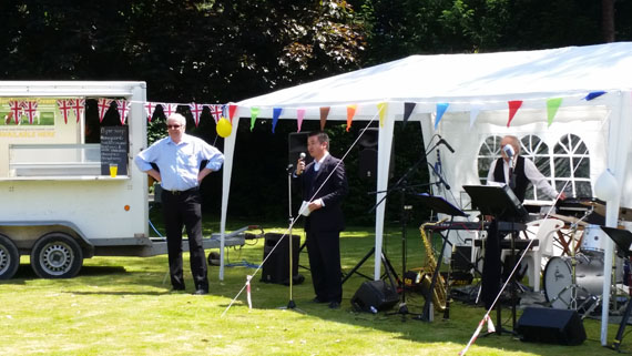 Alan Mak MP opens the Fete
